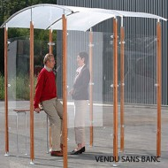 Estructura cubierta para fumadores aislada