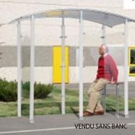 Estructura cubierta para fumadores aislada de metal cincado