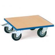 Plataforma lisa de madera con ruedas