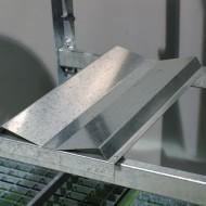 Soporte para bidones fijo con ángulos para estantería superponible